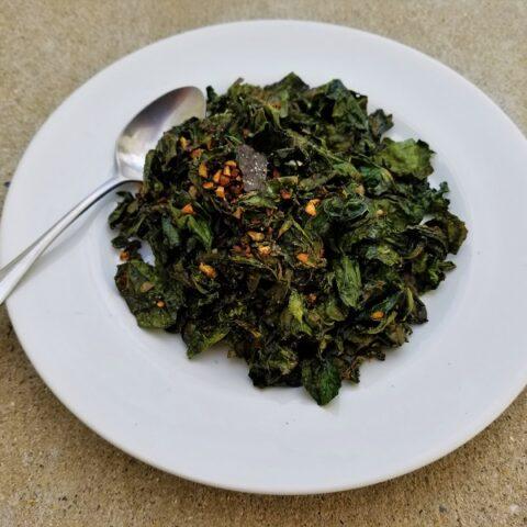 Crispy Garlic-Ginger Kale (Histamine-Friendly)